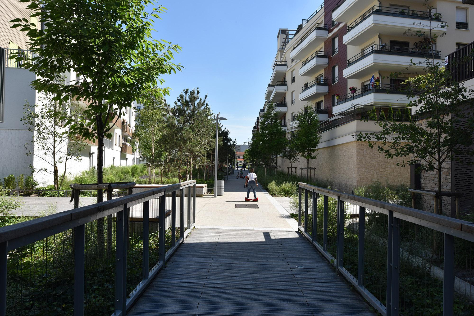 L'allée du parc urbain linéaire