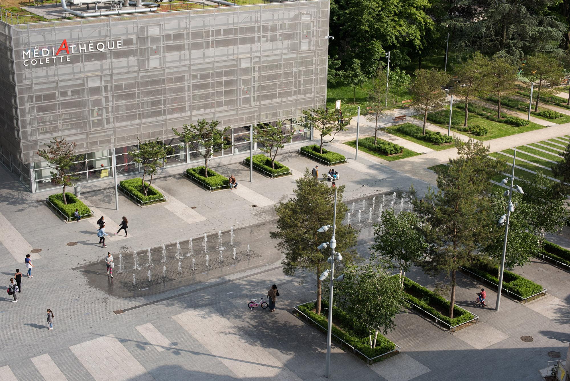 La place René Clair et sa fontaine