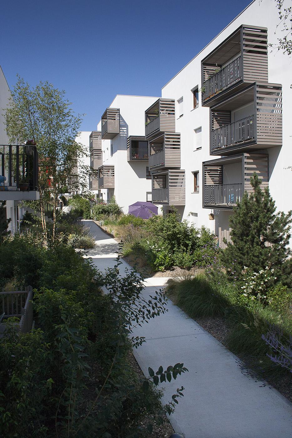 Les jardins inattendus la compagnie du paysage for Central jardin rosiere