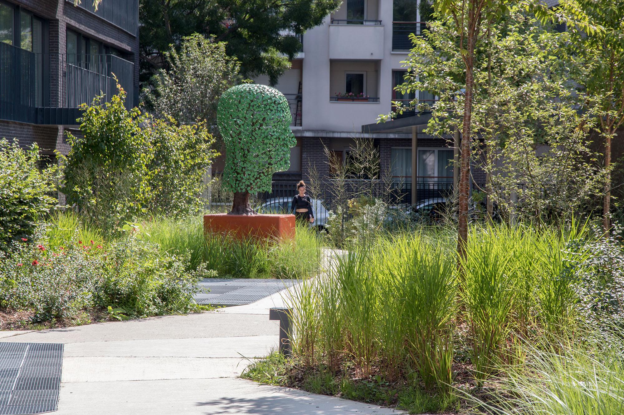 Les jardins chromatiques accompagnent les résidents et les visiteurs Opération - Pantin Canal - Emerige