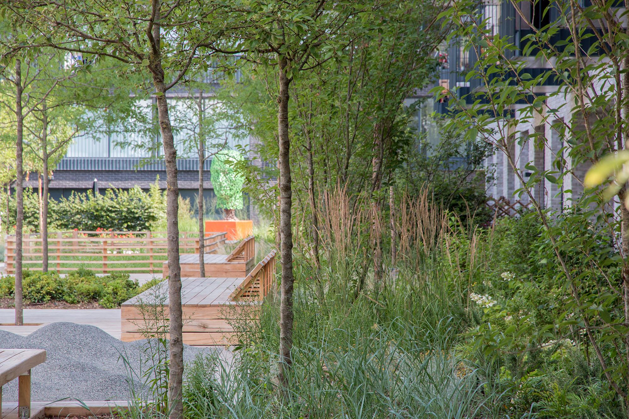 Une intimisation des logements de rez de chaussé jardinée - Opération Pantin Canal - Emerige
