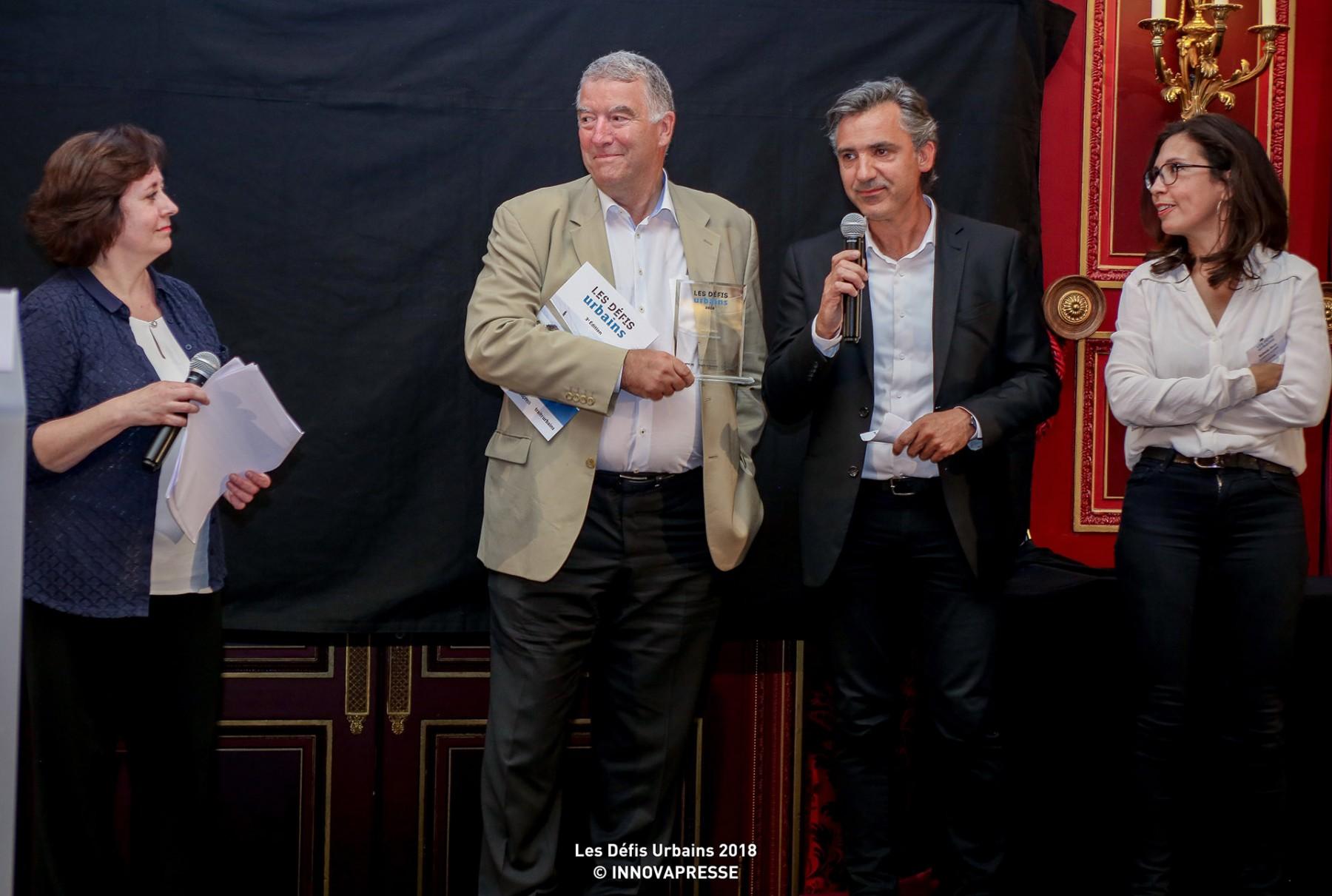 Intervention de Jean-Frédéric Gay entouré de Nathalie Melin et de Serge Kempeneers de l