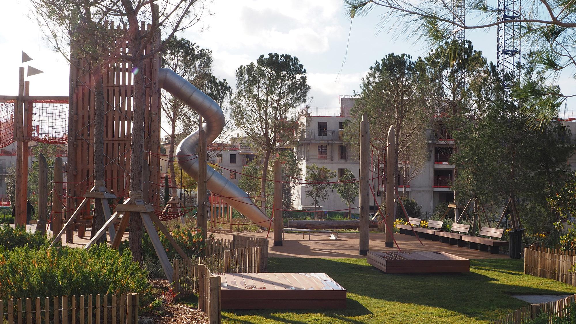Parc du Ray - Nice - l'aire de jeux et son jardin